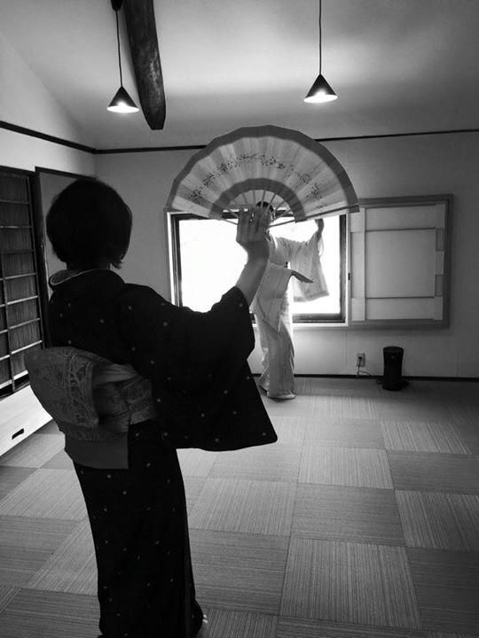 日本舞踊のお稽古、体幹が鍛えられ姿勢も美しく、ヒップアップまでも!