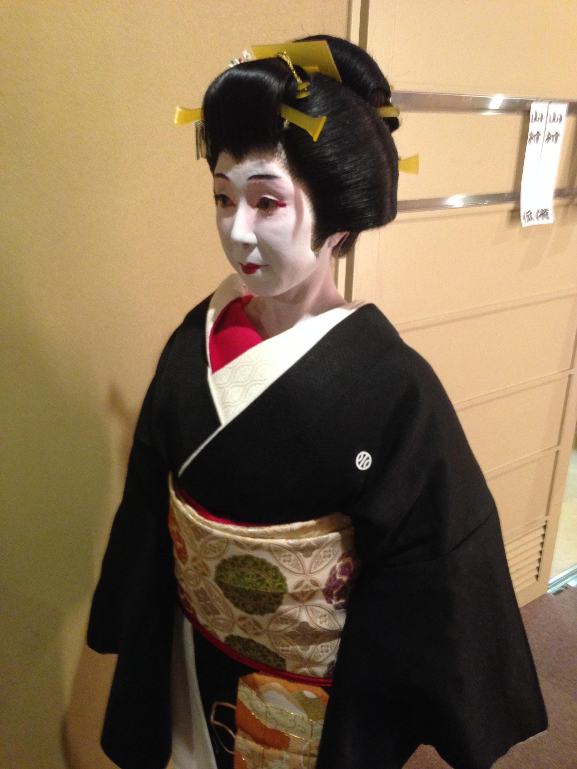 世代を超えて 家族と楽しみを分かちあえるお稽古、日本舞踊。