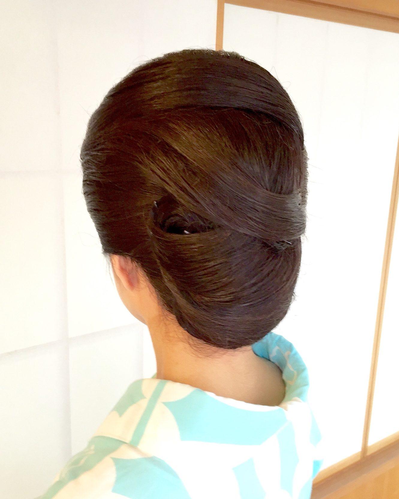和装ヘアスタイル 髪の流れが美しい!東京・神楽坂でヘアセット