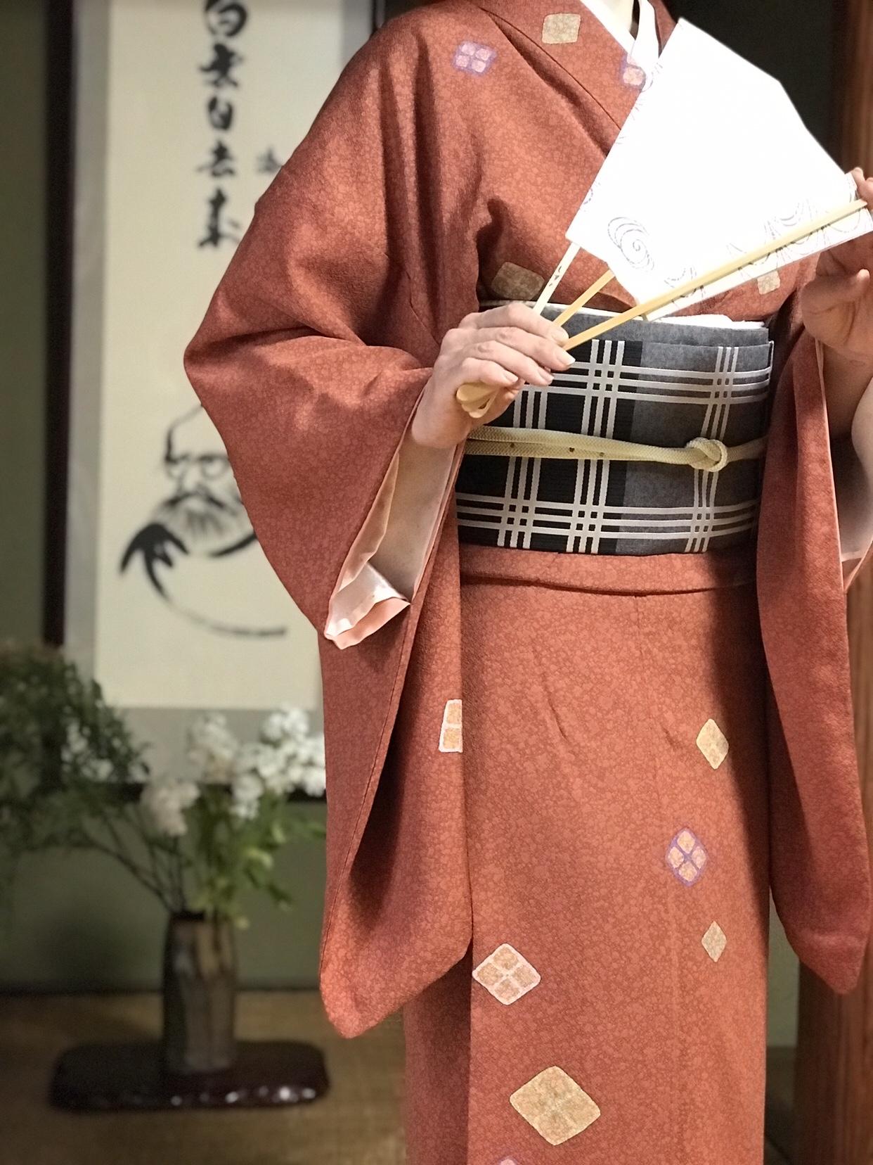 日本舞踊・上方舞体験レッスンやっています!お気軽にお越しくださいませ。